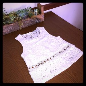 White Lace Top 💓